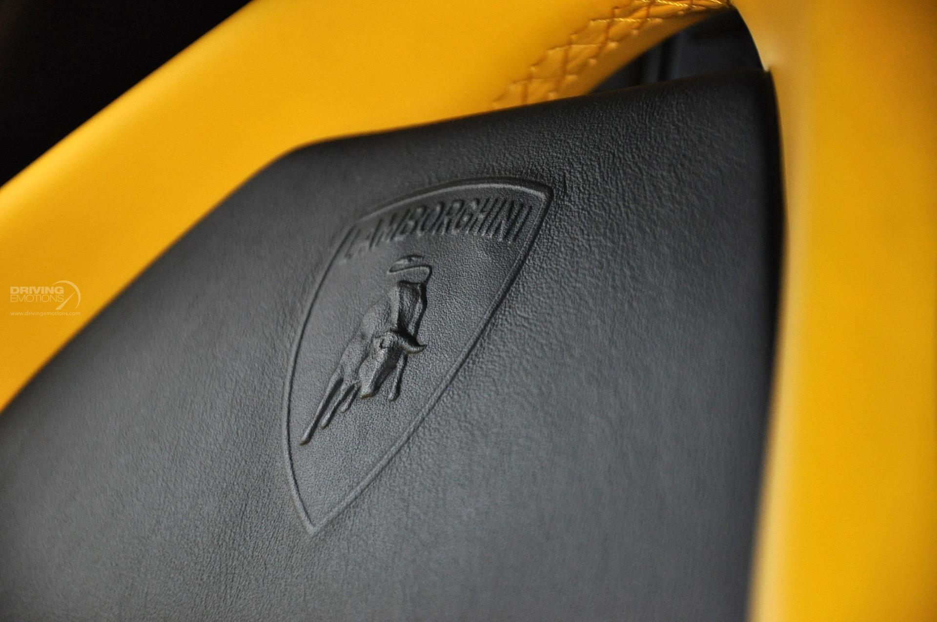 2009 Lamborghini Murcielago LP640 Coupe 2-Door: 2009 LAMBORGHINI MURCIELAGO LP640! BLACK/YELLOW! CARBON! Q-CITURA! E-GEAR! RARE!